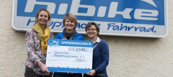 Spendenscheck-Übergabe an Katrin Winter und Jana Vogler vom Deutschen Kinderhospizverein