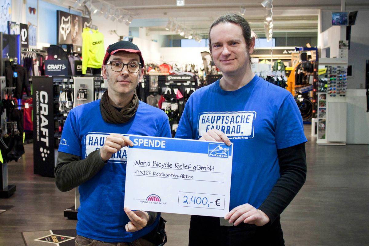 Spendenübergabe an die World Bicycle Relief gGmbH.
