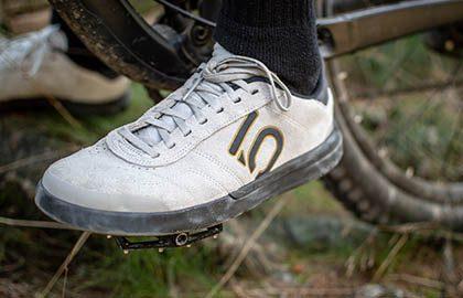 designer fashion store price remains stable Der Five Ten Sleuth DLX im Test - Samba auf dem Mountainbike ...