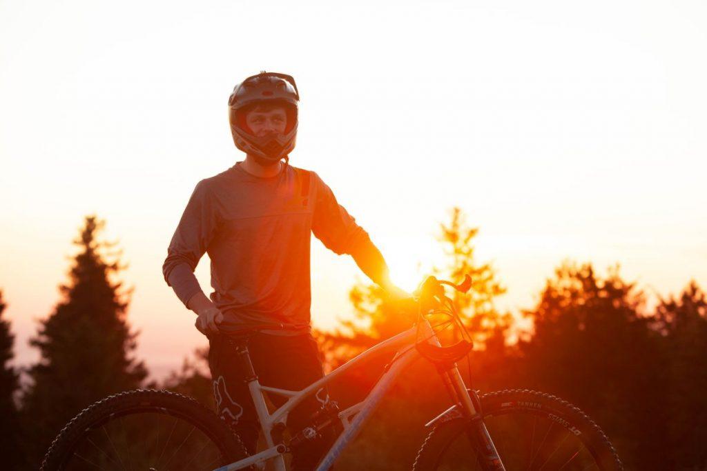 Niklas Hartmann ist nach einer langen Verlatzungspause zurück auf dem Bike